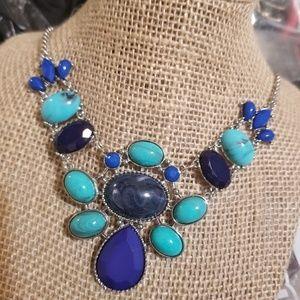 ARIZONA JEAN CO. Shades of Blue torqoise Neecklace